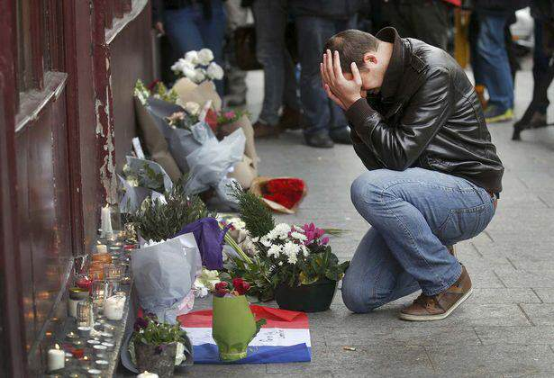 paris attacks cry