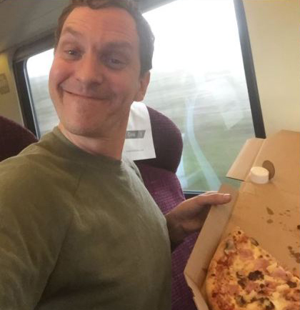 One Man Changes Everything, Gets Pizza Delivered To His Train pizzatrain