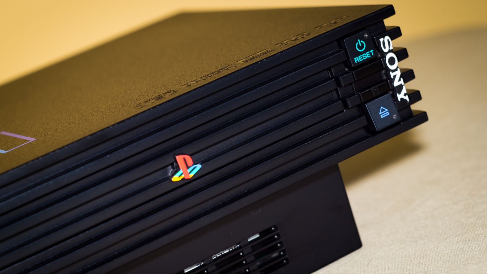 Former Director Claims Xbox Live Changed Gaming Forever playstation 2 deni williams