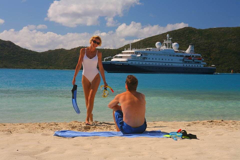 Living On A Cruise Ship Is Cheaper Than Renting In London snorkelingcruise