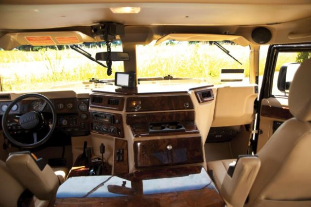 Tupacs Hummer Is Being Auctioned For Ridiculous Money 21b959c157273fb3847930fae6a75682 640x426