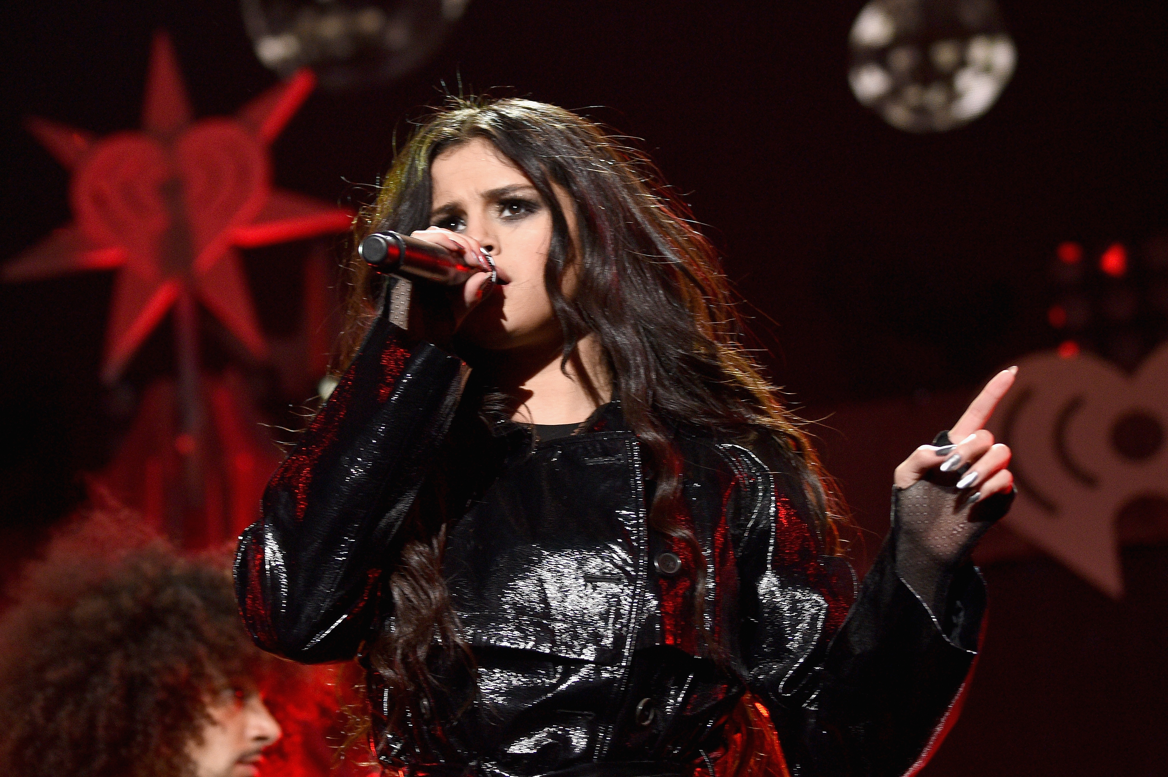Selena Gomez Trashes Justin Bieber On Stage GettyImages 501026630