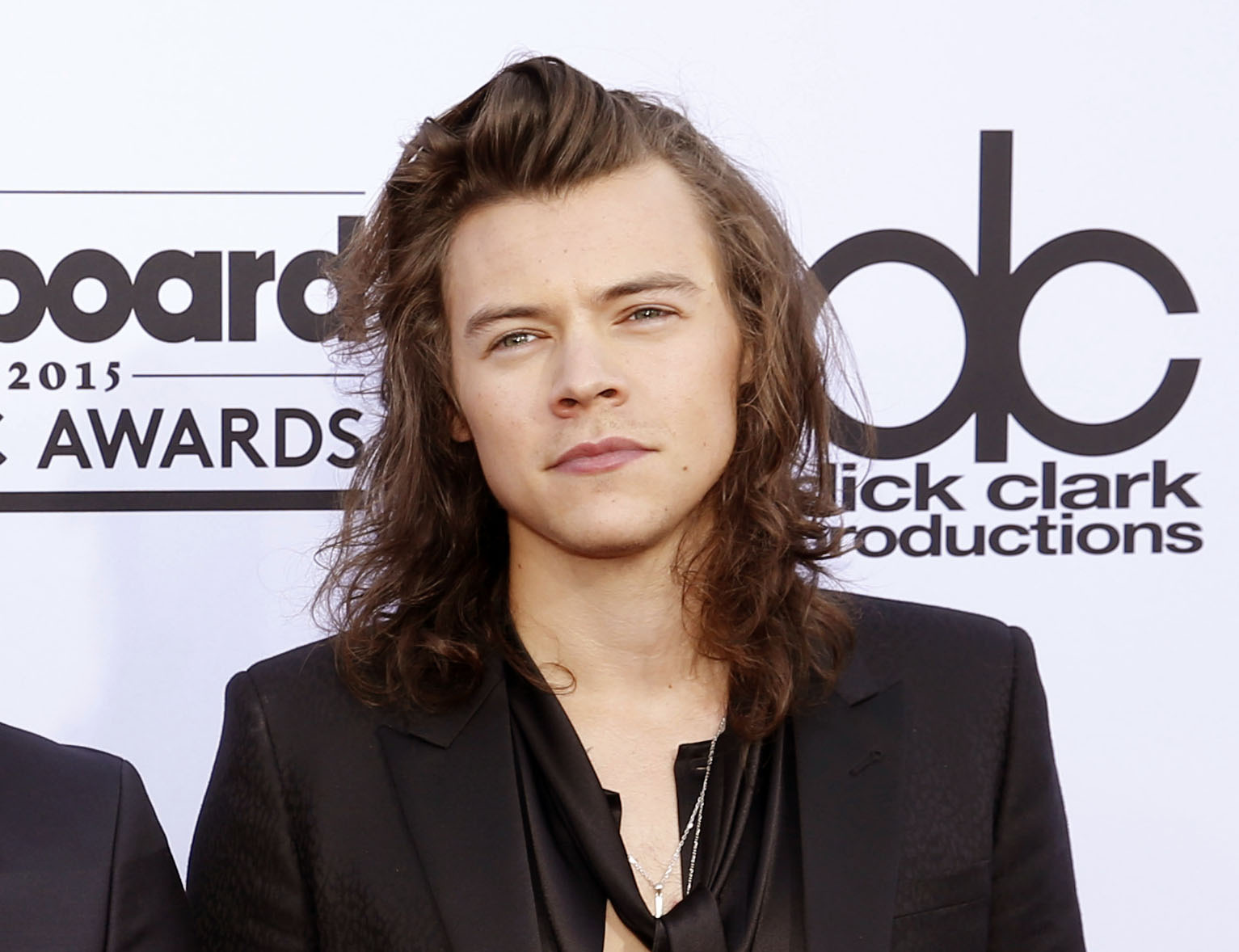 One Direction Fans Lost Their Sh*t Over Harry Styles New Look PA 23402188