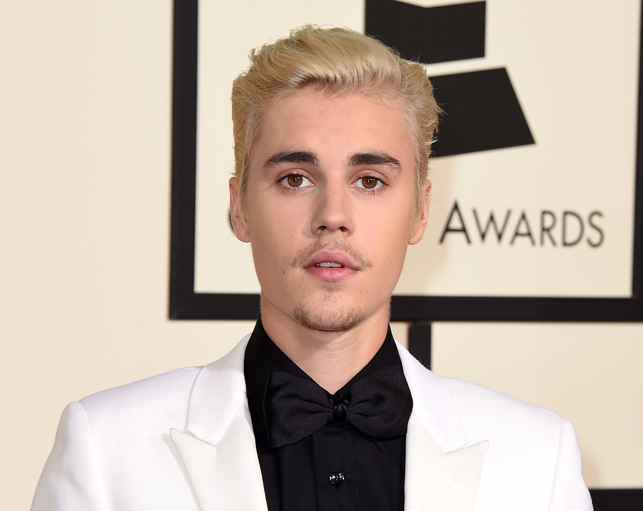Bieber Sued For $100K For Being An Utter W*nker PA 25845854