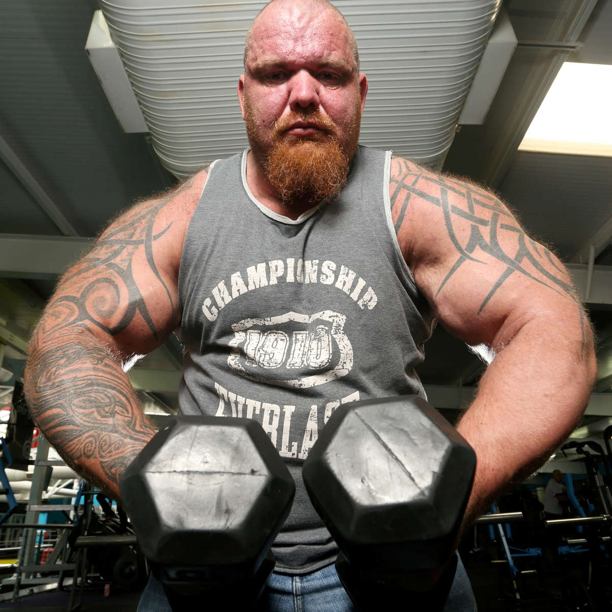Man Turns Life Around To Set Record For UKs Largest Biceps SWNS BIGGEST BICEPS 24