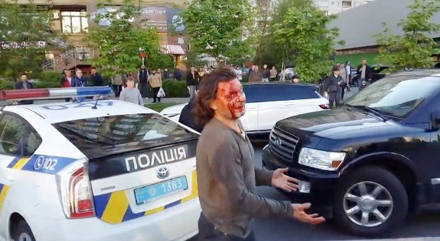 Former Wrestling Champ Fights Off Seven Police Officers In Epic Street Brawl ad 204518392