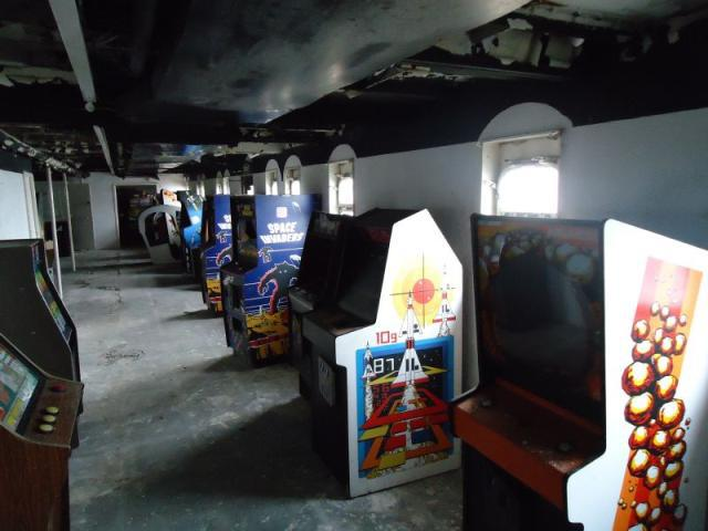 Abandoned Ship Raided To Save A Ton Of Classic Arcade Games dol11