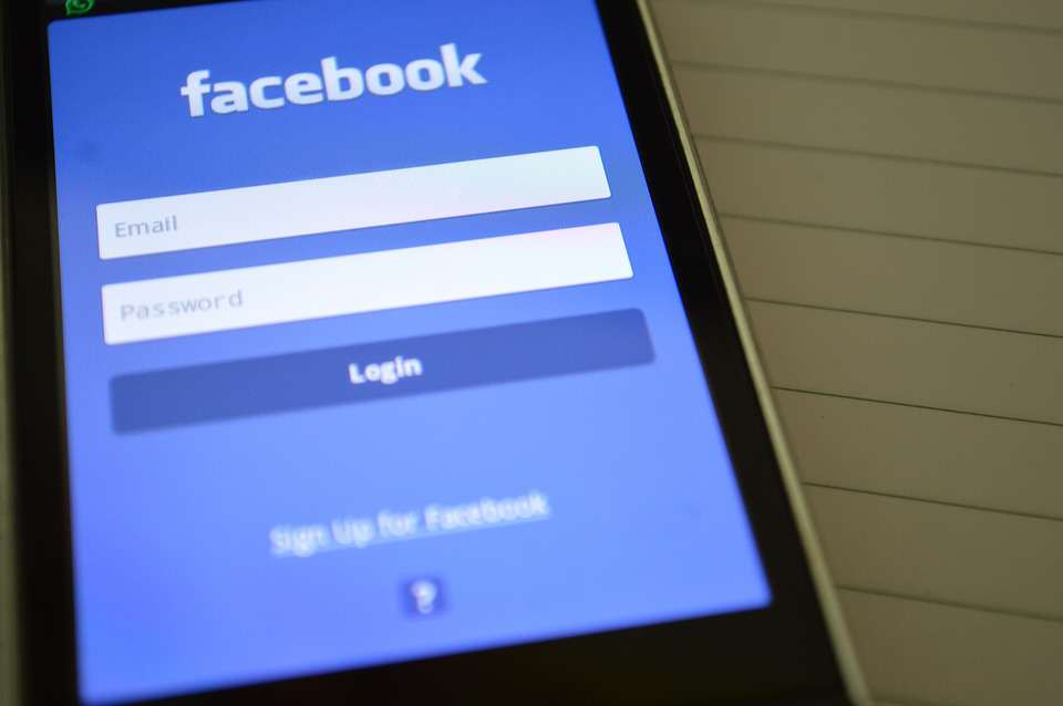 Your Facebook News Feed Could Change Massively Soon facebook pixa