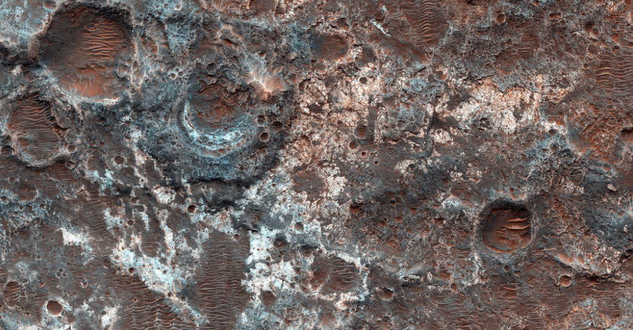 Incredible Photos Reveal That Parts Of Mars Arent Actually Red mars blue 2
