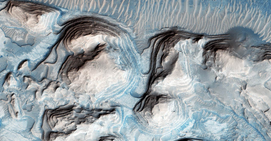 Incredible Photos Reveal That Parts Of Mars Arent Actually Red mars blue 3