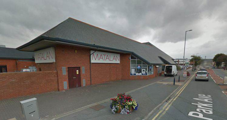 Mans Excuse After Being Caught Flashing Is Completely NUTS matalan