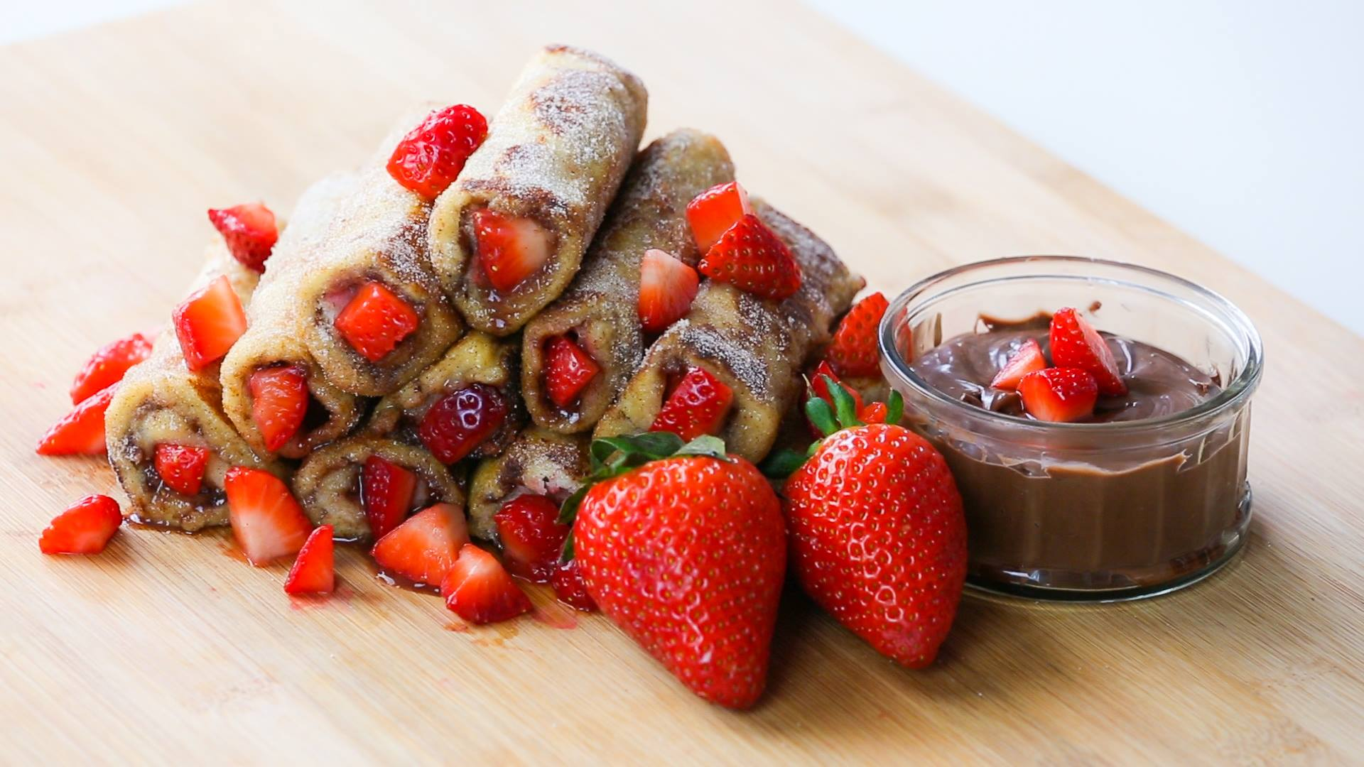 How To Make Strawberry And Nutella French Toast Roll Ups rollsstill1