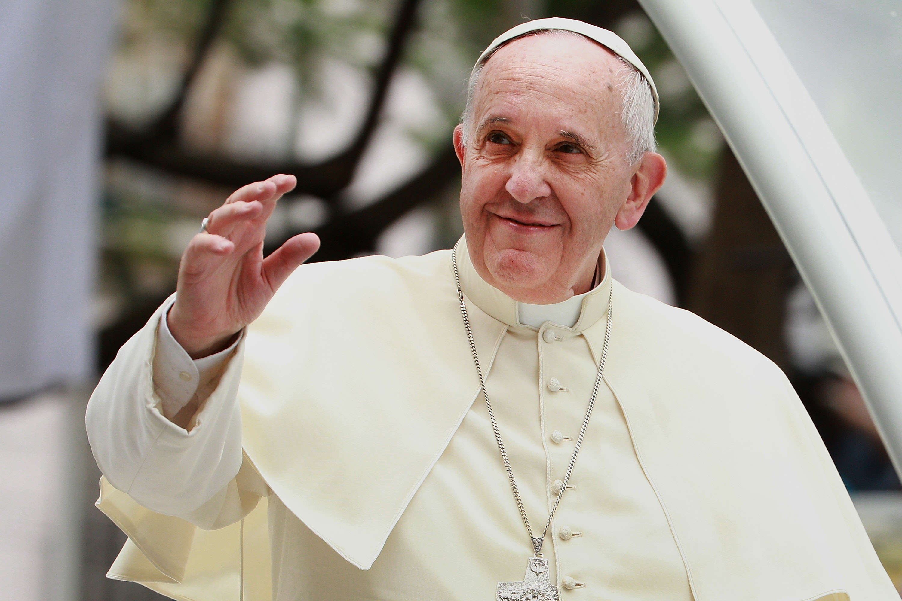 Pope Francis Says Christians And Catholics Should Apologise To Gay People GettyImages 461608174