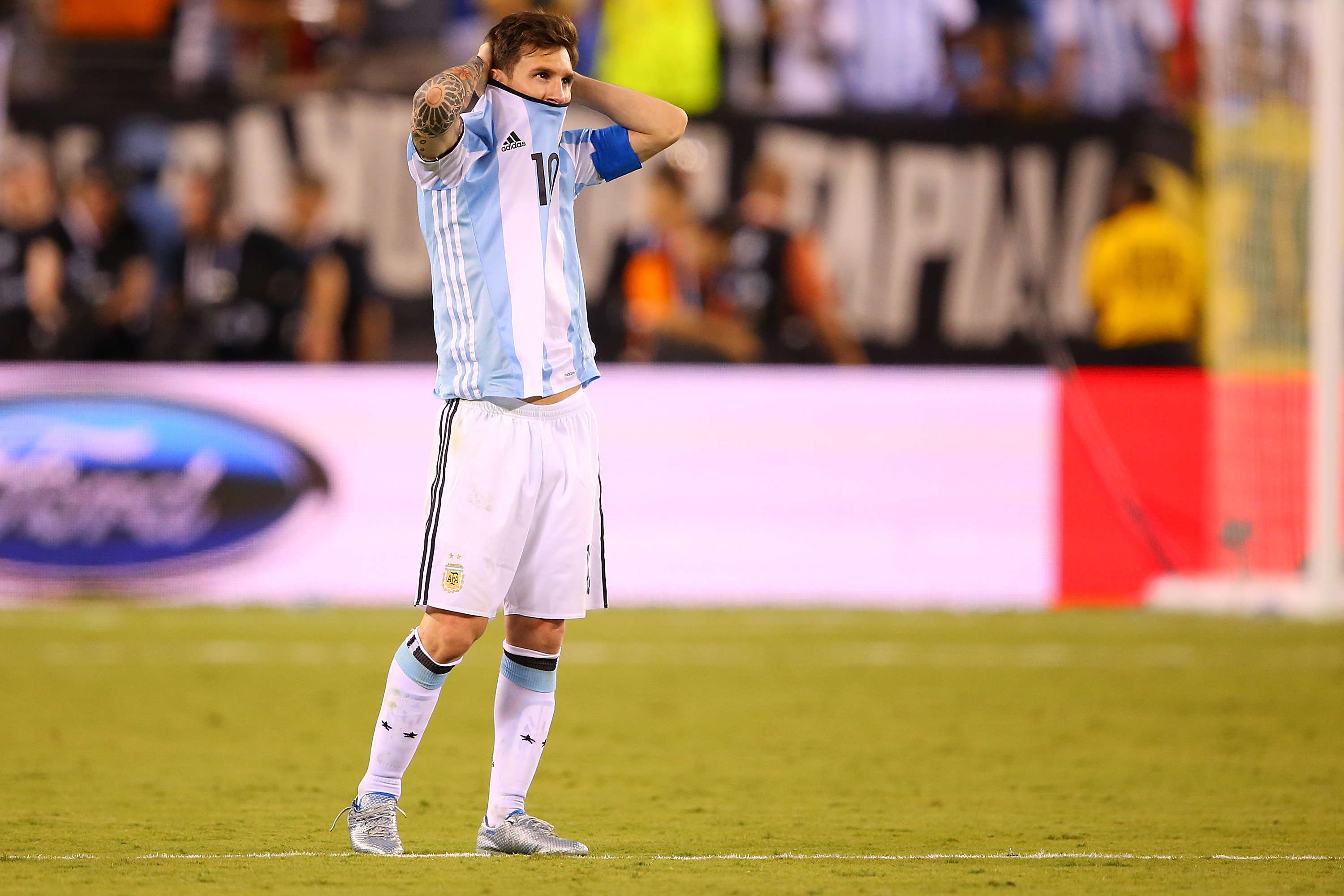 Lionel Messi Retires From International Football After Copa America Final Defeat GettyImages 543252458
