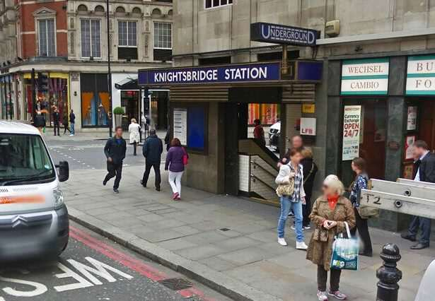 Knightsbridge-Tube-Station