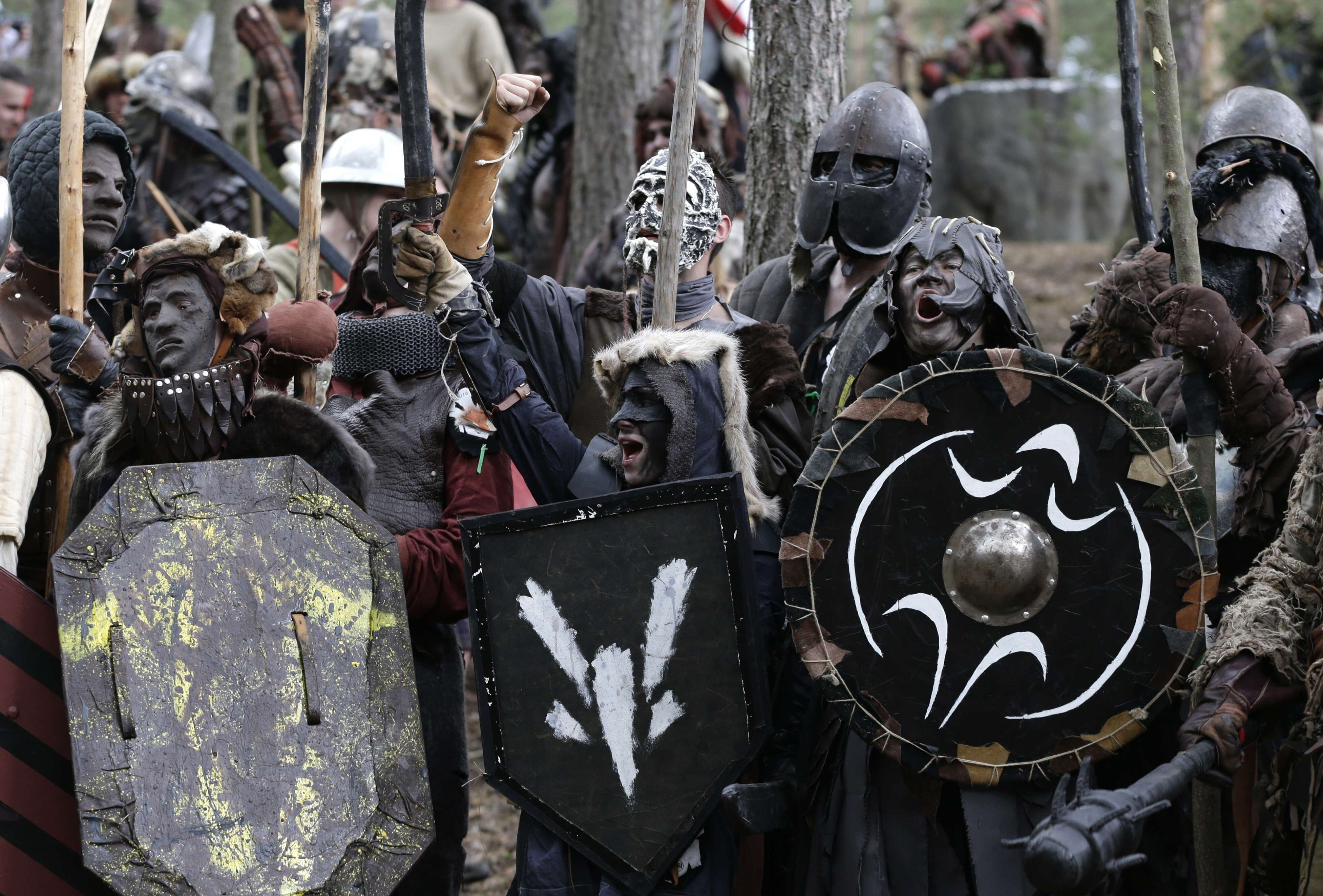 Hobbit Fans Re Enact The Battle Of The Five Armies And Its Just Incredible PA 26513469