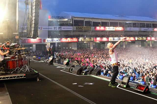 Crowds Injured When Lightning Strikes Rock Festival   For The Second Year Running Prodigy rock am ring 2009 640x426