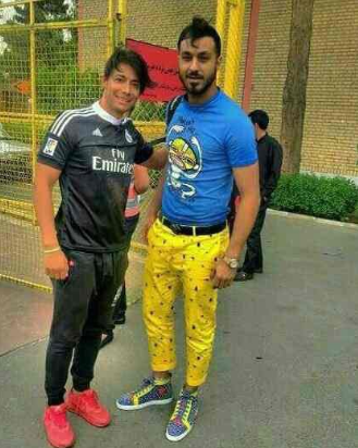 What Do You Get When You Cross Spongebob And A Goalkeeper? Spongebob Pants 2