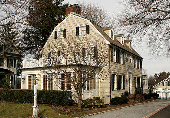 The Real Amityville Horror House Up For Sale, Take A Look Inside am