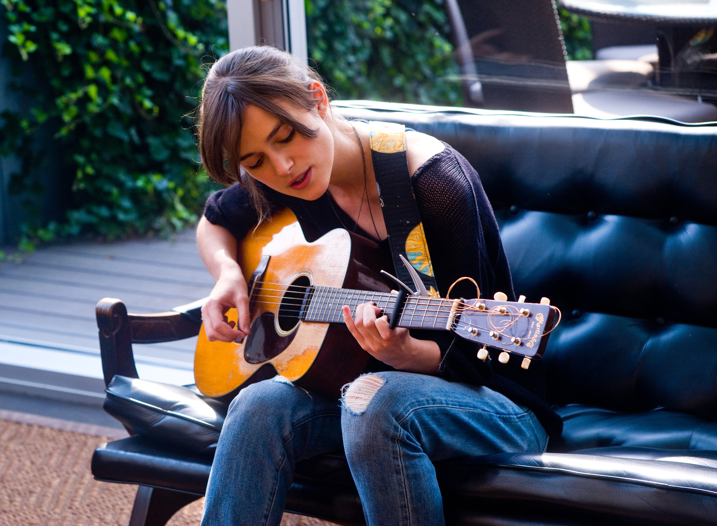 Begin Again Director Apologises For Claiming Keira Knightley Cant Act begin again keira knightley