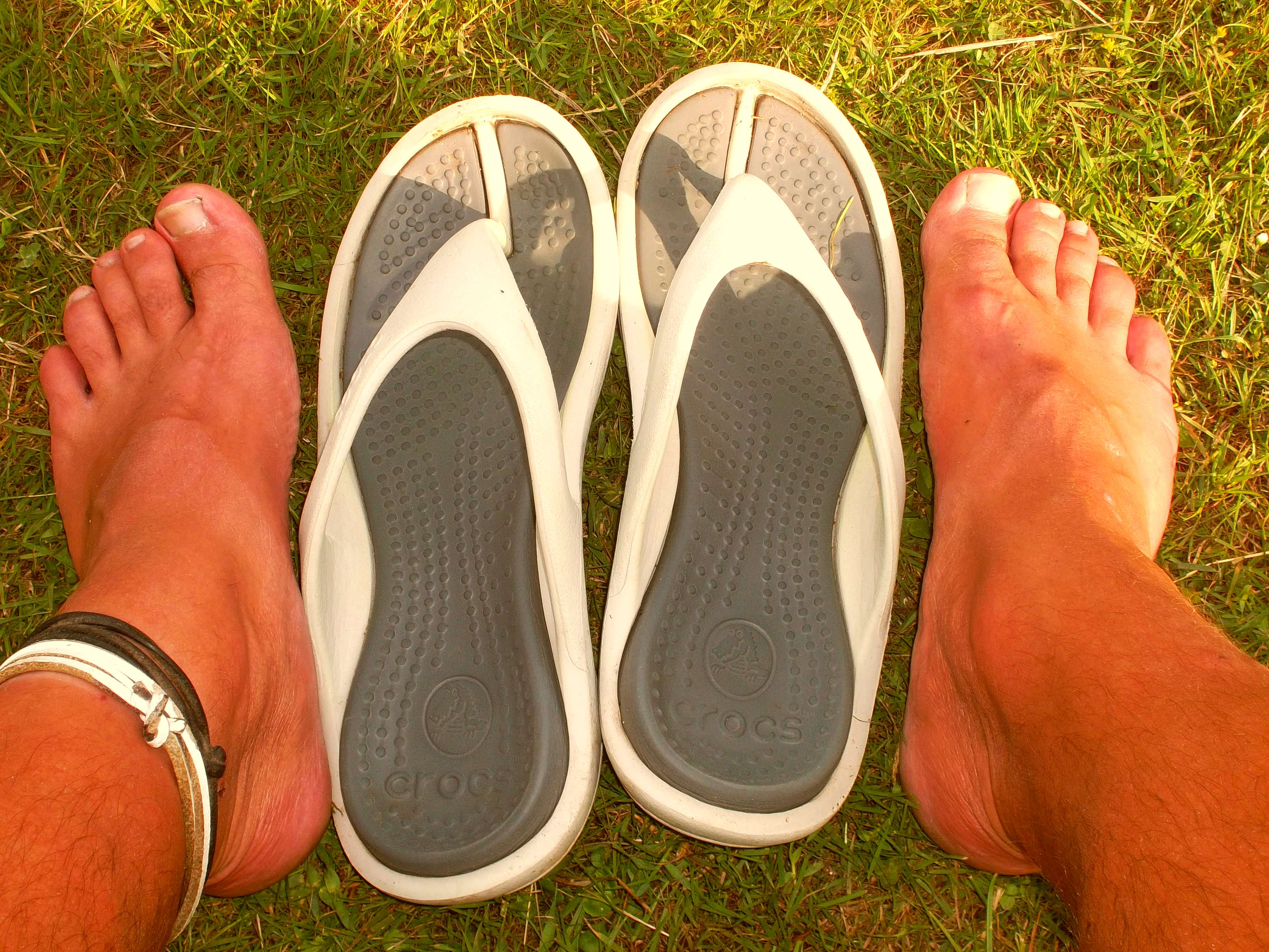 Turns Out Crocs Are Bad For Your Health, According To Doctors croc flipflop