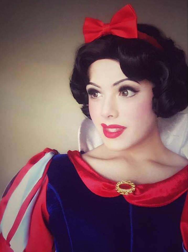 Disney Princess Cosplay Star Goes Viral, But Can You Tell Why? disney 1