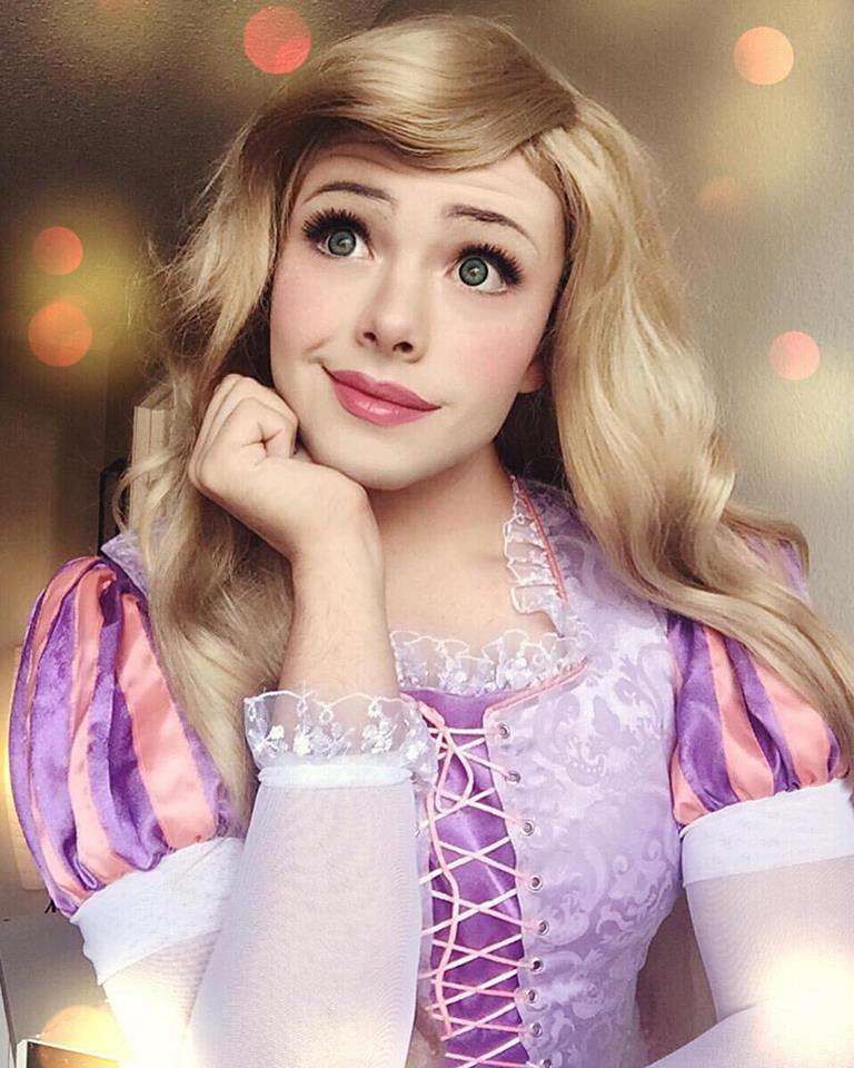 Disney Princess Cosplay Star Goes Viral, But Can You Tell Why? disney 3