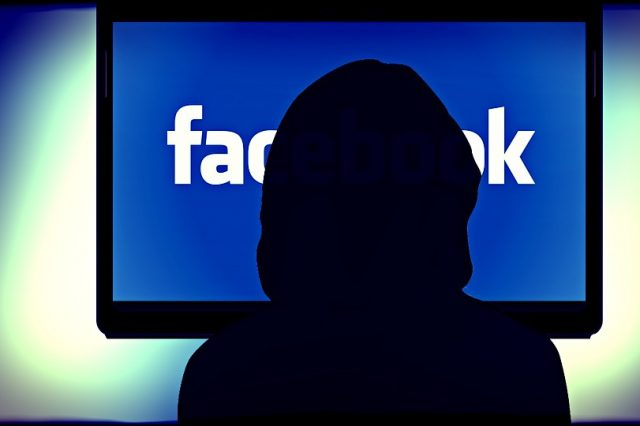 Expert Says Facebook Is Using Your Phone To Listen Into Conversations facebook 257829 960 720 640x426