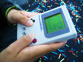 This Awesome Gadget Can Turn Your Phone Into A Game Boy gameboddy