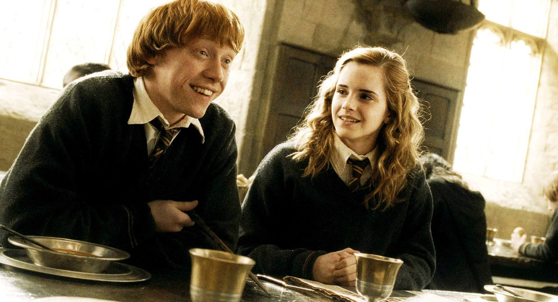 Cast Photos Of Ron And Hermione In New Harry Potter Now Revealed hp 1