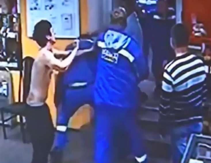 Drunk Kickboxers Start Fight With Random Guys, Doesnt Go Well kick2