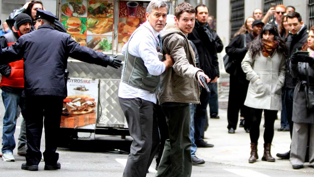 Money Monster: An Entertaining Thriller With Money On Its Mind money monster geroge clooney