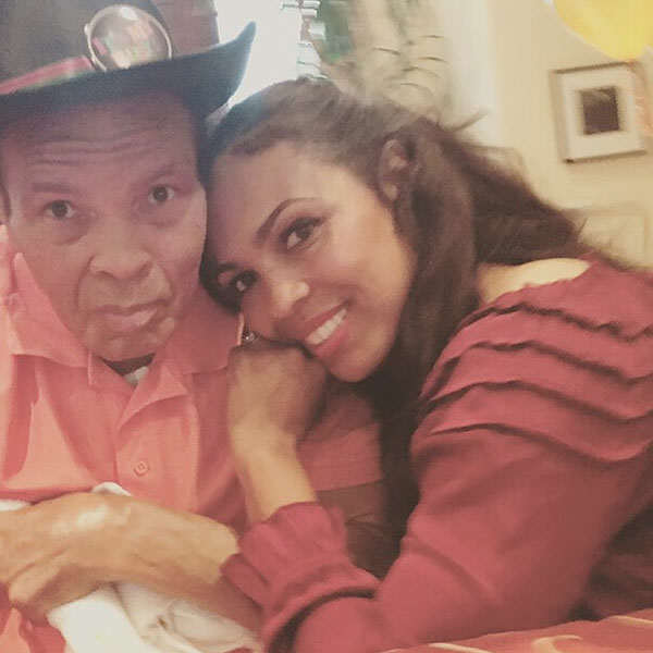 Muhammad Ali's Daughter Shares Her Fathers Beautiful Final Moments muhammad ali fam 01 600