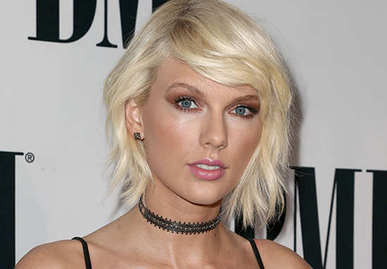 China's Biggest Marketplace Selling 'Breakup Insurance' For Taylor Swift's Love Life