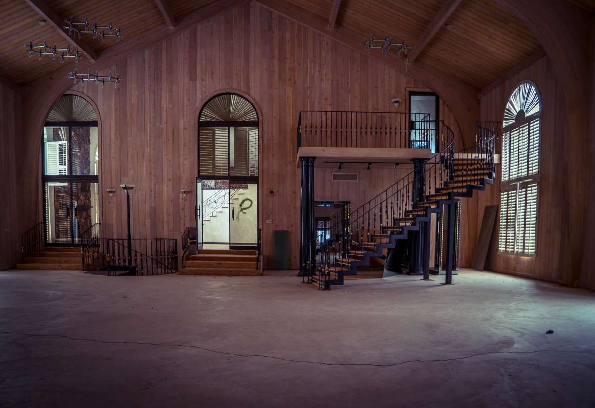 Mike Tysons Abandoned Ohio Mansion Is Spectacular, Take A Look Inside tyson14