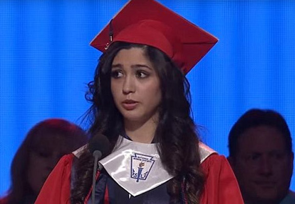 This Girls Graduation Speech Just Went Viral For Powerful Reason valedictorian featured