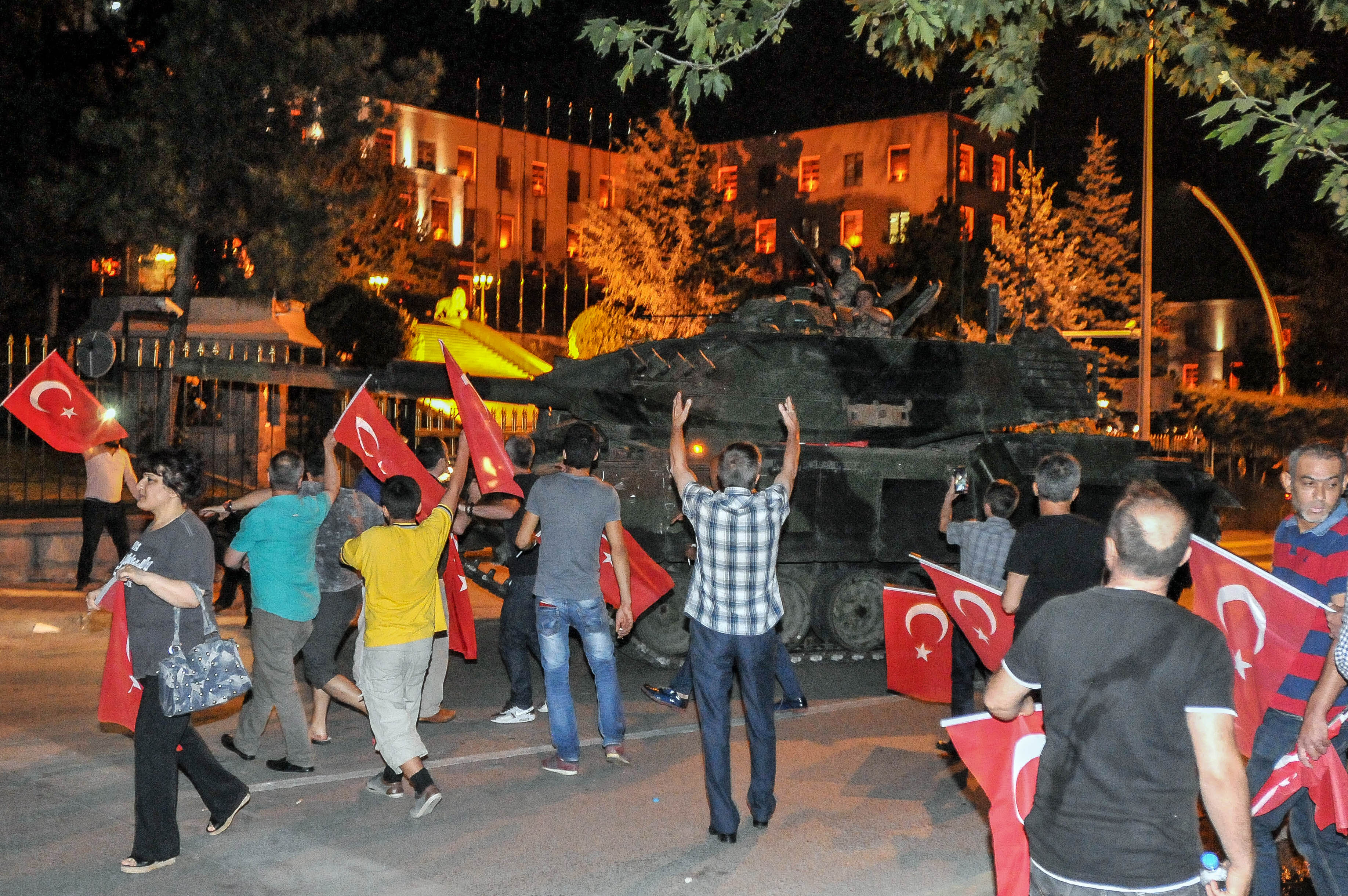 Military Occupy Strategic Locations In Turkey