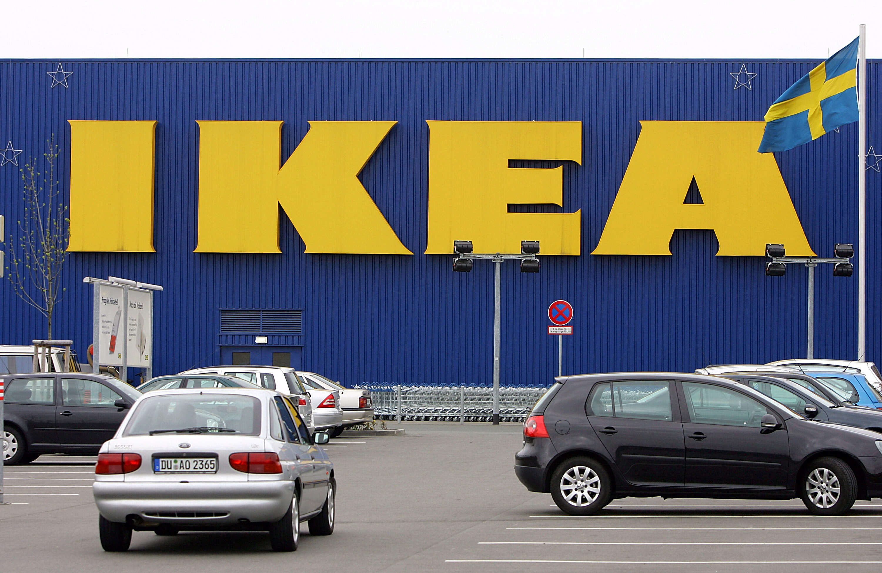 Child Finds Gun In Sofa At IKEA And Fires A Shot Inside The Store PA 15143016
