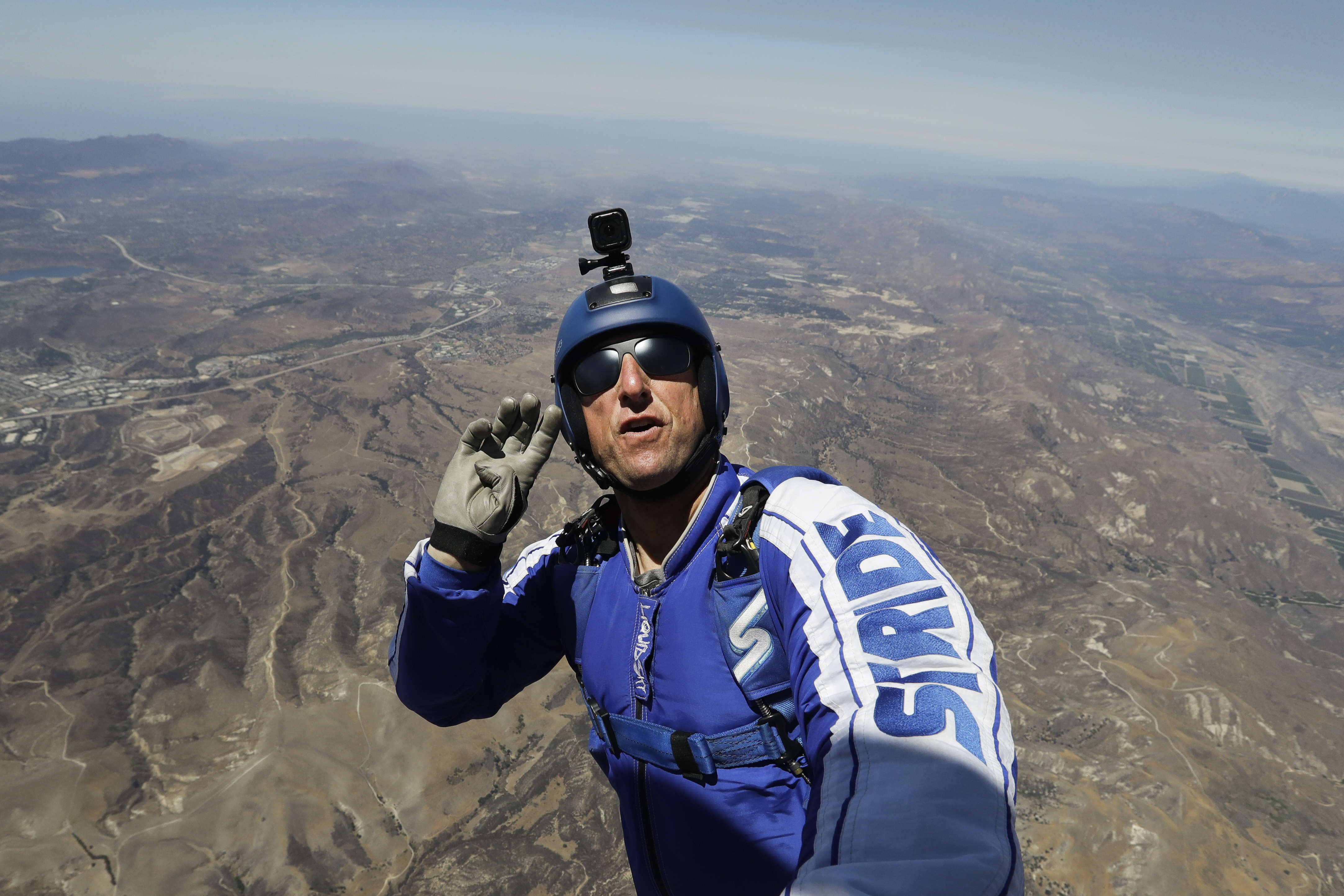Skydiving Without Parachute