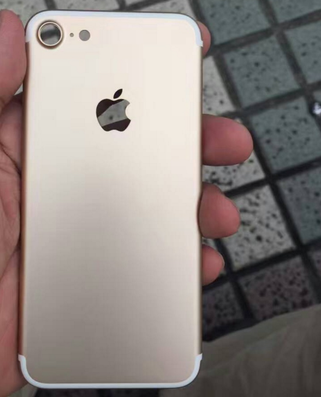 iPhone 7 Photos Leak And Confirm Everybodys Worst Fear Screenshot 2016 07 12 at 01.26.23