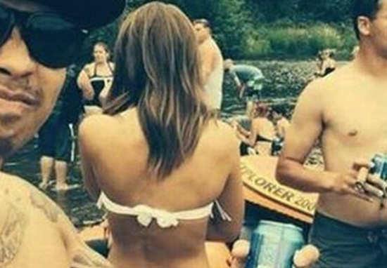 This Girl's Bikini Photo Has Gone Viral For Very NSFW Reason