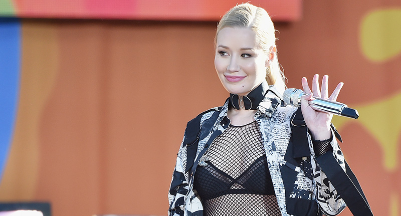 Iggy Azalea Is Being Accused Of Getting Bum Implants Because Of This Photo iggy fb