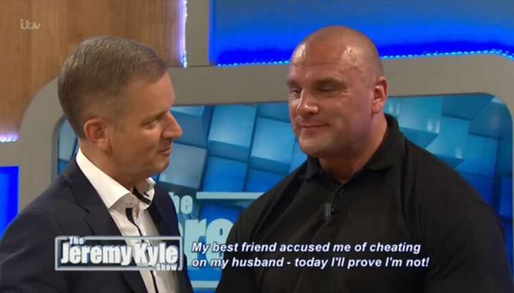 Jeremy Kyle Repeatedly Asks Bouncer Steve Awkward Sex Questions In Cringe Video jkyle00003 e1468316538655