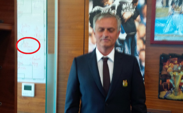 United Fans Claim Theyve Signed Pogba After Mourinhos Tactics Board Leak jose board