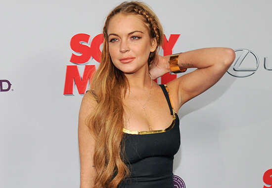 Lindsay Lohan To Switch English Towns Christmas Lights On After Twitter Row lohan1