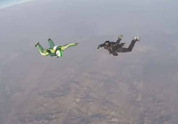 skydiver web thumb