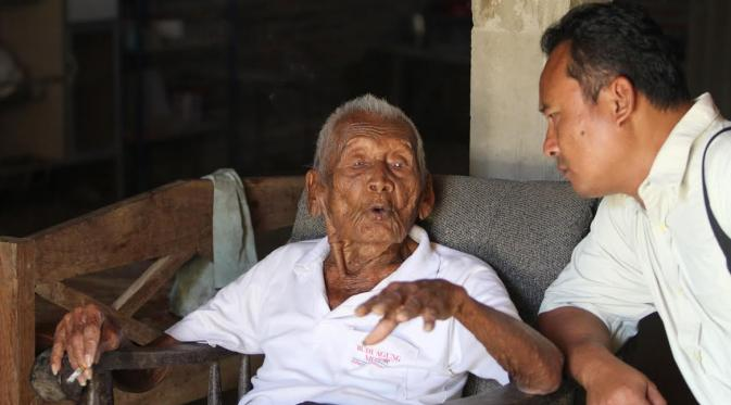Man Claims To Have Smashed Previous Worlds Oldest Person Record 027924900 1472037973 Mbah Gotho panjang umur dan cucu
