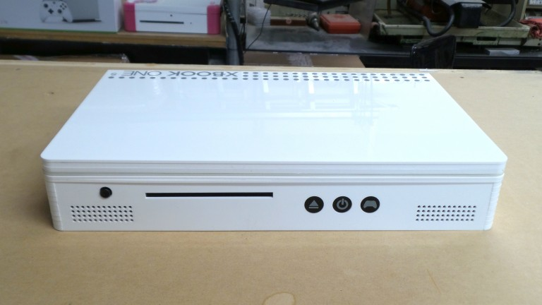 Xbox One S Goes Portable With This Awesome Mod 20160810 135105 copy 768x432