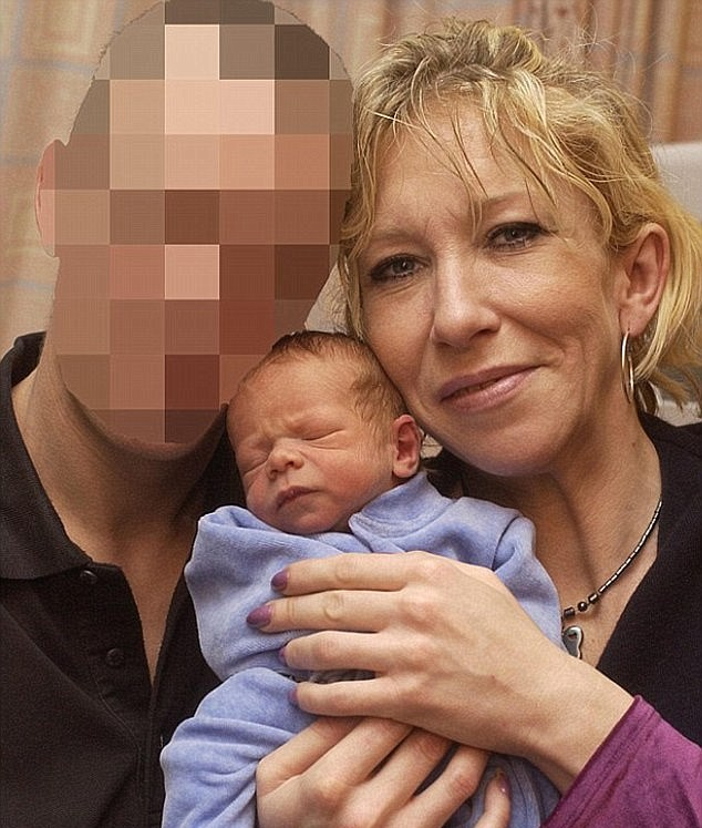Fathers Horror After Spotting British Son Executing Prisoner In ISIS Video 379F470A00000578 3761804 Jihadi bride Sally Jones pictured here in December 2004 fled the a 5 1472339898351