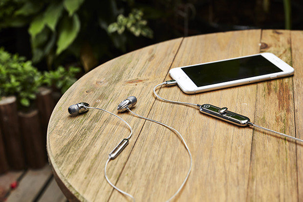 Are These The Best iPhone Lightning Earphones? 92.pic cgoaho